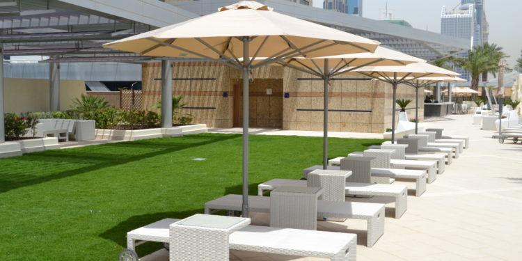 Premium Deluxe sun umbrellas from Sun & Shades