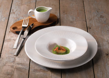 BAMBOO WIDE RIM PLATE AND BOWL WITH NATURALE WOOD
