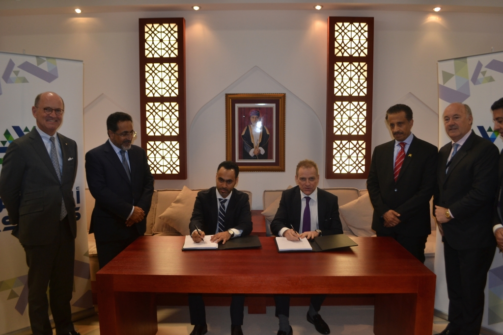 Representatives of Hilton Worldwide and the Muscat National Development and Investment Company[1]