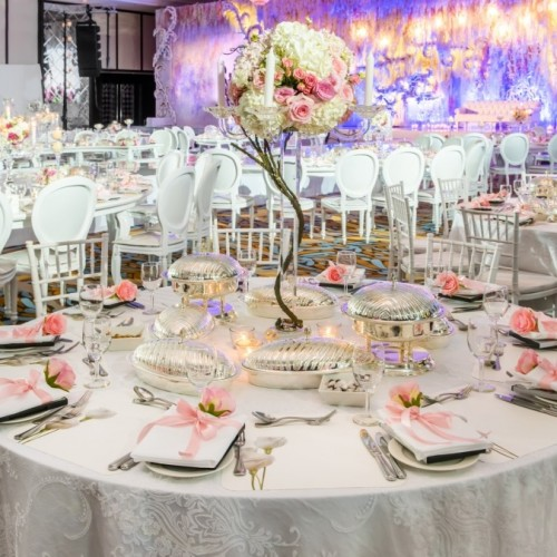 Al Bustan Rotana offers a private entrance and elevator for the bride