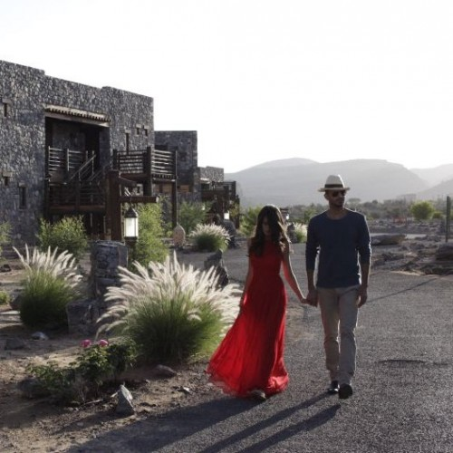 Alila Jabal Akhdar in the Hajar mountains of Oman caters to intimate weddings of up to 160 guests