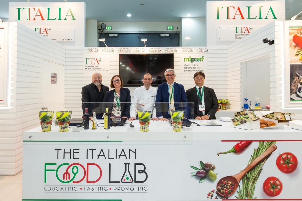 Valentina Setta, Consul General of Italy (2nd from Left) _ Liborio Stellino, Ambassador of Italy (4th from left) and Gianpaolo Bruno, Trade Commissioner, ITA(1st from right)