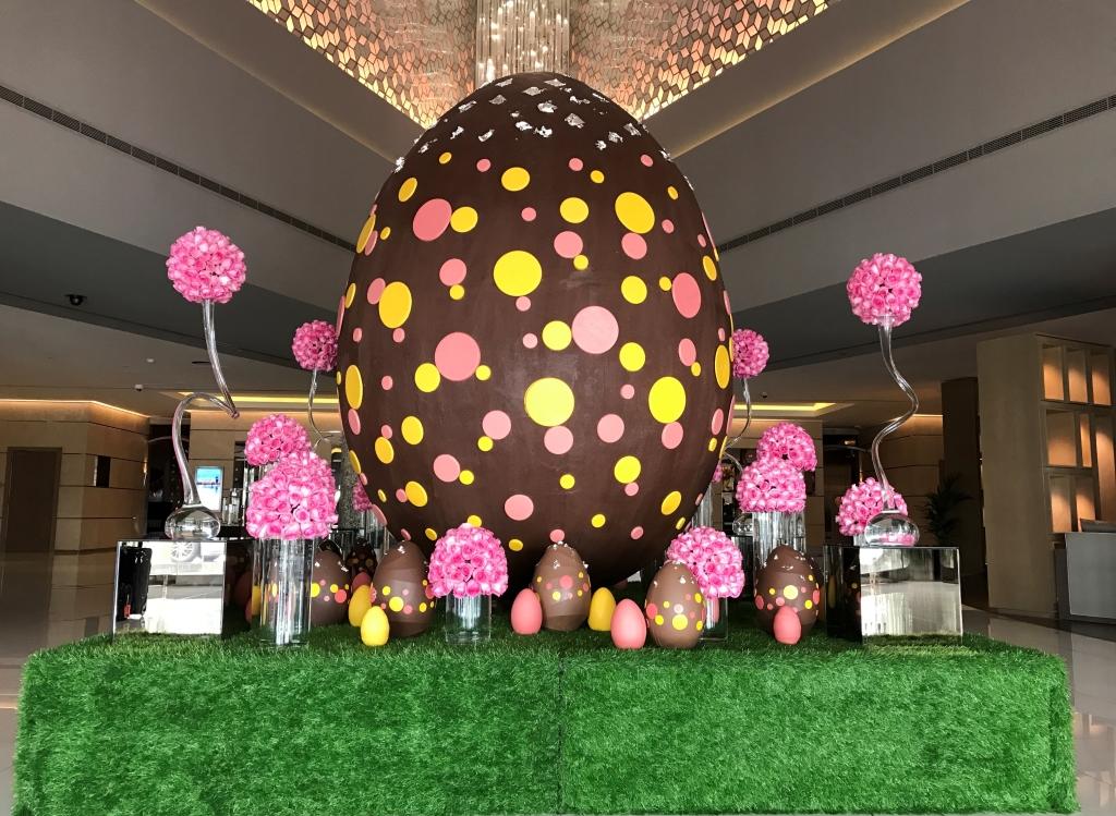 Giant Easter Egg - Fairmont Dubai