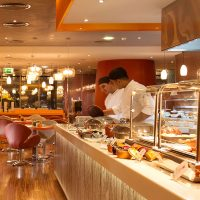 Pullman JLT Launches Seafood Night
