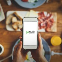 Restaurant owners-run delivery app GoFood is now live in the UAE